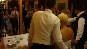 Csilla és Attila esküvői dj. rendezvényén tortázunk!